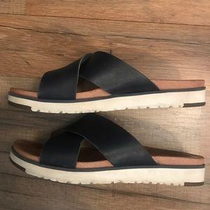 Ugg Kari slide sandal